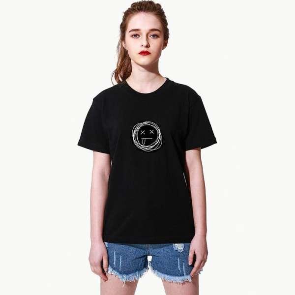 一件T恤,解决冬日穿搭烦恼