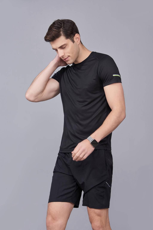 春夏季潮流新品 男士短袖上衣 时尚纯棉运动T恤衫 黑色