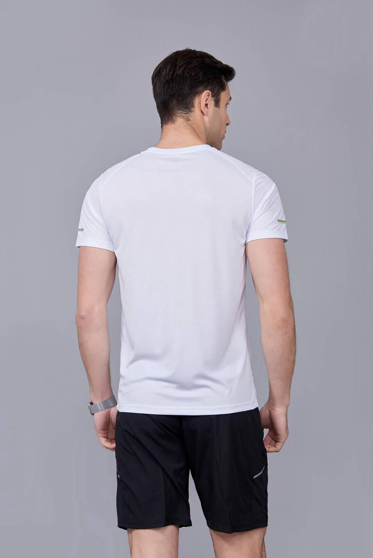 春夏季潮流新品 男士短袖上衣 时尚纯棉运动T恤衫 白色